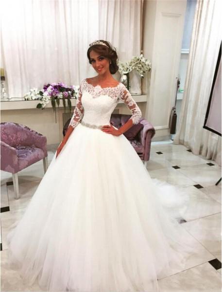 Abiti da sposa vintage in pizzo di pizzo di cristallo con maniche lunghe a 3/4 in tulle drappeggiato ricoperto di bottoni Abiti da sposa