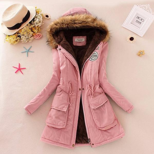 Cappotti invernali del progettista delle donne che vendono all'ingrosso i colori della caramella Il cappotto caldo incappucciato con cappuccio spesso della chiusura lampo del Parkas di colore rosa arancio Trasporto libero