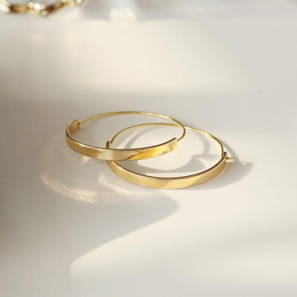 Новая мода золото заполнены широкий круг поверхности петли серьги для женщин элегантный дизайн геометрические ювелирные изделия серьги обруча 1 пара