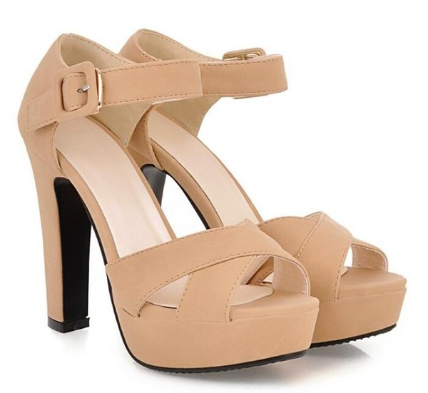 Quente! Verão Novas Mulheres de salto alto Europa América moda Esfrega do dedo do pé Aberto de uma palavra fivela cor Sólida Áspera com overheight com sandálias Das Mulheres