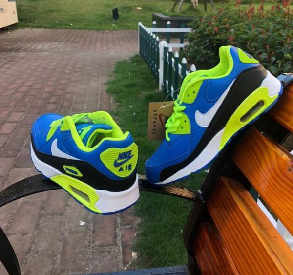 Chaussures pour enfants 3 couleurs enfants Baskets lumineuses Garçons et filles brillants Running Sports illuminent les chaussures