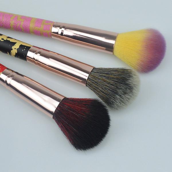 Wholesale Top quality Makeup Brushes Wooden Handle Crack Single Blusher Brush Powder Brush Three Colors Telescopic Brush Free Shipping