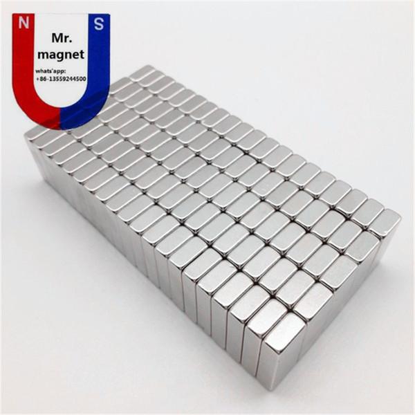100pcs N35 8 * 3 * 2mm aimant permanent 8 * 3 * 2 super fort néo néodyme bloc 8x3x2 NdFeB aimant 8x3x2mm avec revêtement en nickel antirouille