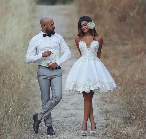 2018 Kurzes Hochzeitskleid Knielangen Applique Informelle Hochzeit Brautkleider Spitze Vestido De Novia Vintage Brasilien Braut Empfang Kleider