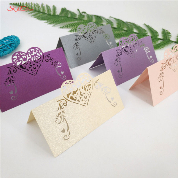 1000 Adet Lazer Kesim Tablosu Adı Kart Hollow Kalp şekilli Inci Kağıt Kart Düğün Masa Dekorasyon Koltuk Kartı Parti Malzemeleri 7z