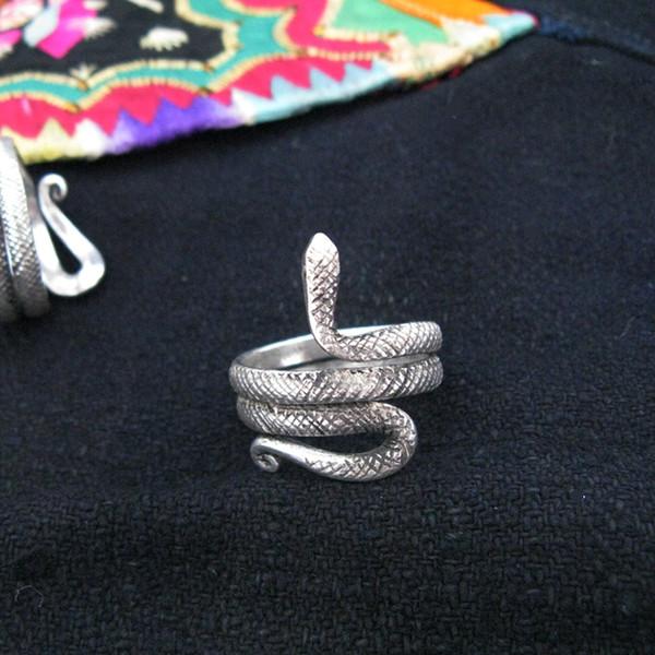 Guizhou Yunnan ethnic handmade original Miao silver jewelry ring men and women personality snake ring