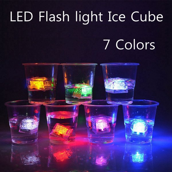 Flash Light Ice Cube Multi Color Light-Up LED Ice Cubes 1.1 Inch Square 8 Mode Color Changing And Flashing Party Ice Cubes