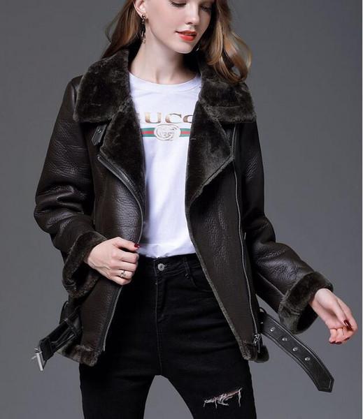 Mujeres Chaqueta de invierno Boutique clásico espesa piel cálida felpa larga inclinación cremallera Chaquetas guay fresca motocicleta chaqueta de caballero al por mayor