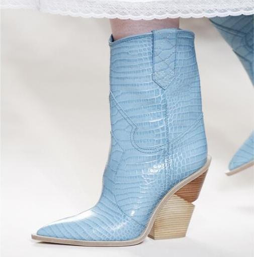Azul piel de serpiente amarilla Mujeres 2018 Punta estrecha Botas occidentales Botas de vaquero diseño de pasarela Cuñas gruesas talón Botas a media pierna