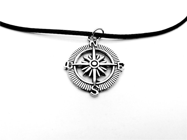1pc-Antique Silver Small Compass Necklace Round Geometry Disc Necklace Retro Compass Direction Nautical Lucky Necklace Leather Jewelry