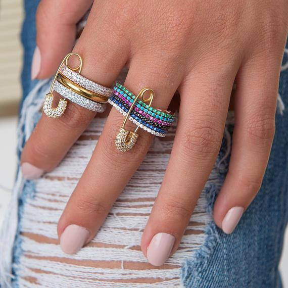 2018 nouveaux bijoux de mode Cubique Zircone Anneaux pour les Femmes goupille de sécurité 3 pile Anneaux Bijoux Partie Anniversaire Cadeau top qualité Y1890705