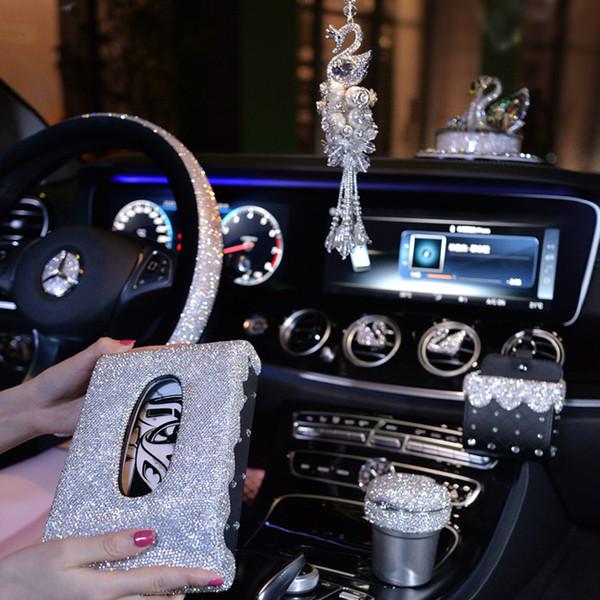 Cubiertas del volante de cristal para las niñas Accesorios de decoración del automóvil Salida Ventilación Air Holder Clip del teléfono Rhinestone Cenicero Mujeres