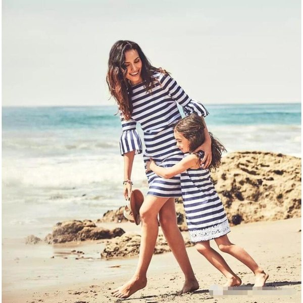 Fashion Stripes Three Quarter Dress for Family Matching Outfits Summer Fashion Beach Dress for Daughter Mom
