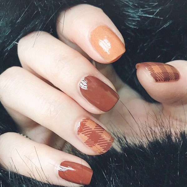 Limited fashion Caramel pure color with stripped pattern fake nails Japanese cute false nails lady full nail tips
