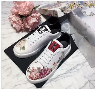 Marque Sneakers Designer Chaussures de haute qualité formateurs Huaraches Tongs Designer Sandales Slide Slippers Mocassins Femme Bottes par shoe06021