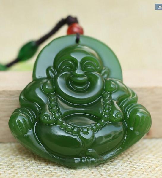 Giada verde Giada naturale Buddha Amuleto fortunato Collana pendente in giada all'ingrosso Statua incisione a mano