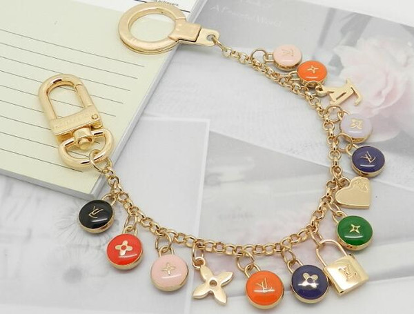 Factory Price High Quality Fashion Letter Birds Flowers Metal Keychain Letter key ring Bag chain Man Woman's decoration More Style