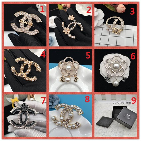 wholesale!14K Brand Designer Pearl Brooch letter corsage collar needle Diamond Wedding Party Fashion Jewelry Gift Scarf Accessories Box AA5