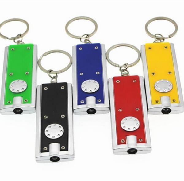 Das kleine LED-Taschenlampen-Schlüsselanhänger der russischen Box beleuchtet die kreativen elektronischen Geschenkaktionen