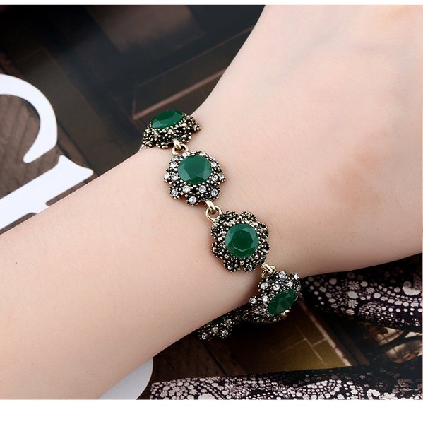 Hot selling Personality Green Bangle Bracelet For Women Wedding Link Chain Bracelet Free Size Alloy Rhinestone Charm Bracelet High Quality