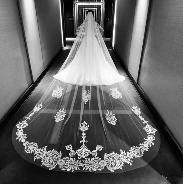 Long Cathedral Length Wedding Veils With Lace Applique Bridal Veils One Layer Custom Made Bridal Veil With Comb Wedding Accessories