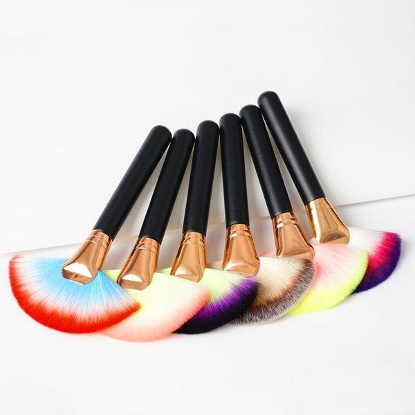 2017 Newest Mix Color 1pc Soft Nylon Hair Large Makeup Fan Shape Blusher Brush Makeup Beauty Tools Foundation Powder brush