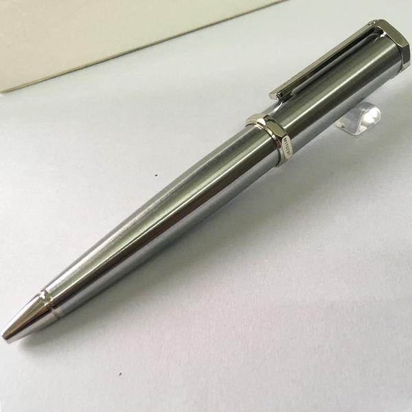 un stylo en argent