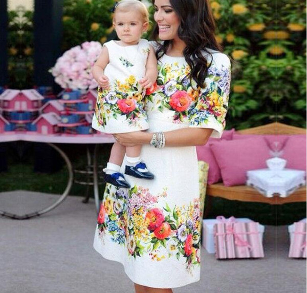 Mom and Daughter Dresses Family Matching Outfits Floral Print Clothes for Mommy Me Mother Baby Girl Evening Dress