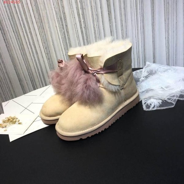 2018 New fashionable women's winter snow boots luxury classic lovely girl leisure warm fur lining short boots