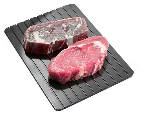 2018 Vassoio di sbrinamento rapido per alimenti surgelati Scongelamento della piastra Scongelare carne / alimenti surgelati rapidamente senza elettricità Microonde Acqua calda