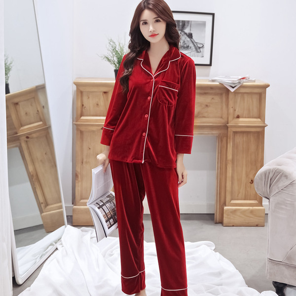 Pyjama en velours or serti de deux pièces de pyjama femme