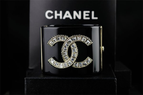 High Quality Brand Design Letter Star bracelet Woman's CRYSTAL BRACELET CUFF clear Crystal pearl Punk Retro skull bracelet With Box