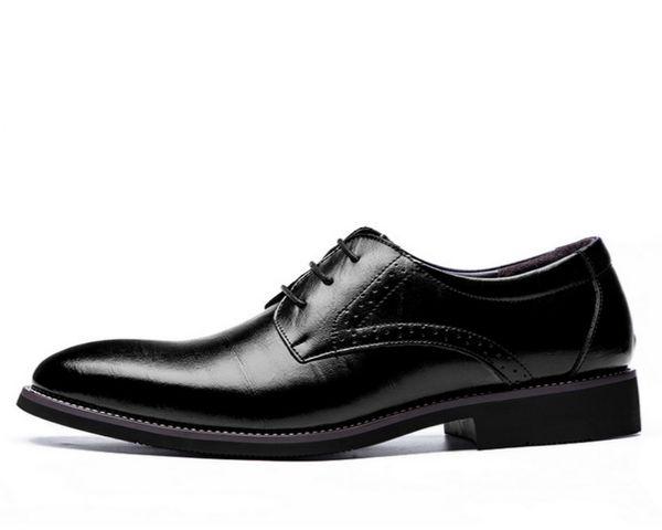 2018 hombre plana zapatos de vestir de los hombres clásicos de cuero genuino Wingtip tallado italiano Oxford formal más el tamaño 38-48 para el invierno
