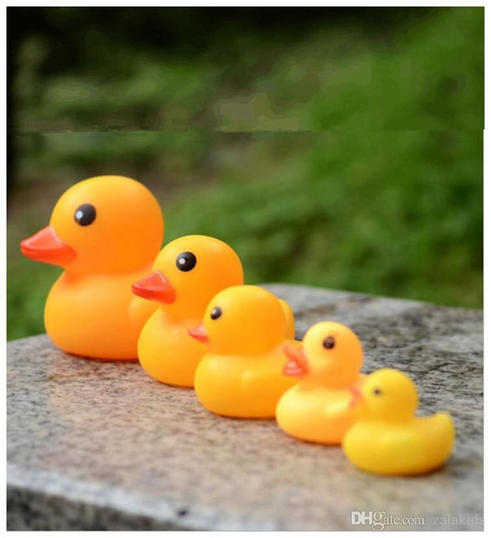 best selling 5 size Baby Bath Water Toy toys Sounds Yellow Rubber Ducks Kids Bathe toys Swimming Beach Gifts For kids