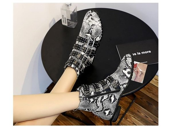 2018 rock style women ankle boots fashion spike stud wedge boots black leather rivets boots party shoes buckle women booties