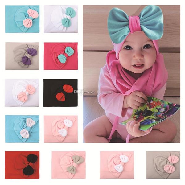 Weihnachten Baby Mädchen Jungen Bogen Hut + Schal Set Kleinkind Kleinkind Bowknot Caps Halstuch 2pcs / set Kinder Xmas Cap C5382
