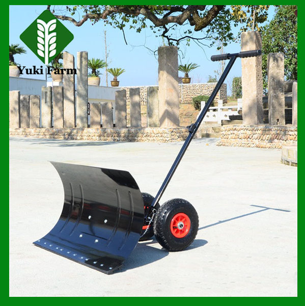 top popular Hand push type wheel snow shovel hand push snow cleaning machine simple operate cheap snow sweeper 2021
