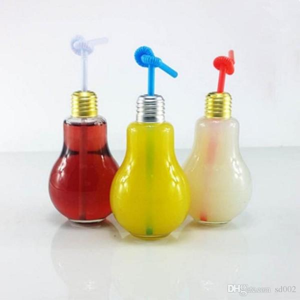 Le récipient en plastique de forme de boisson de forme d'ampoule de tasses du plastique 300ml scellent transparent avec la bouteille d'eau de couverture pour le décor de magasin de bar 1 3sh ZZ
