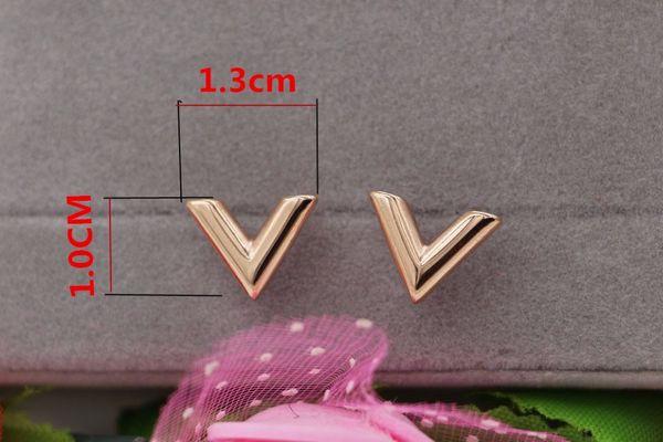 Venta al por mayor con estilo nuevo estéreo en forma de V pendientes de acero titanium oro rosa pendientes mujeres joyería coreana venta caliente
