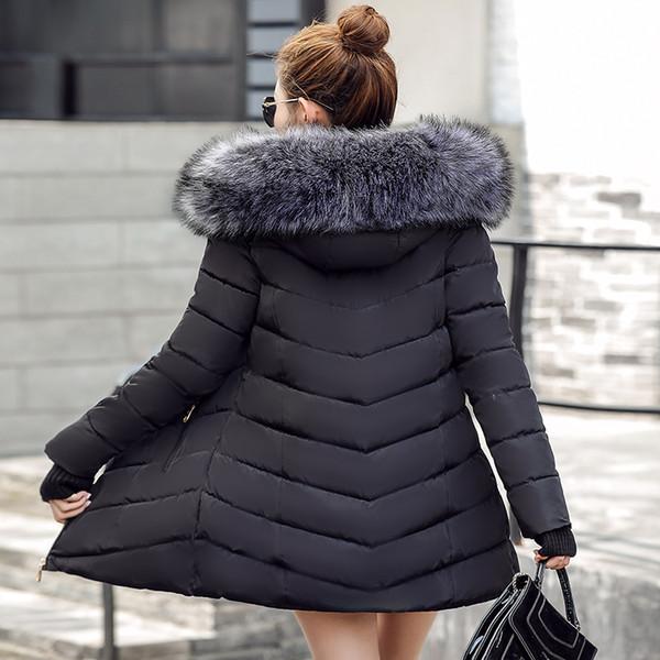 Großhandel 2019 NEW Black 2018 Winterjacke Frauen Große Pelzoberbekleidung Lange Unten Baumwolle Gefütterte Jacke Mantel Wattierte Jacke Wintermantel