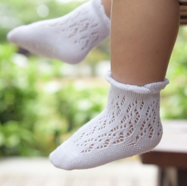 Летние детские полые крючком лодыжки носки детские маленькие девочки кружева рябить принцесса носки малыша нескользящие носки младенческой хлопок лодыжки носок r2273
