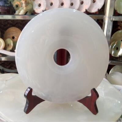 China Natural White jade Hand carved Home Decoration Yu Bi statue diameter 20cm