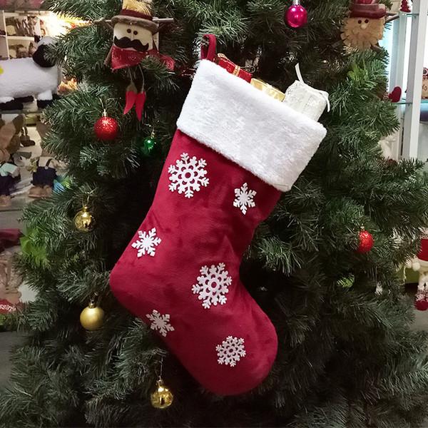 Como Decorar Calcetines Para Navidad.Compre Calcetines De Navidad Calcetines De Tela Rojo Medias De Navidad Sobres Adornos Botones De Nieve Bolsas De Regalo Calcetines Arbol De Navidad
