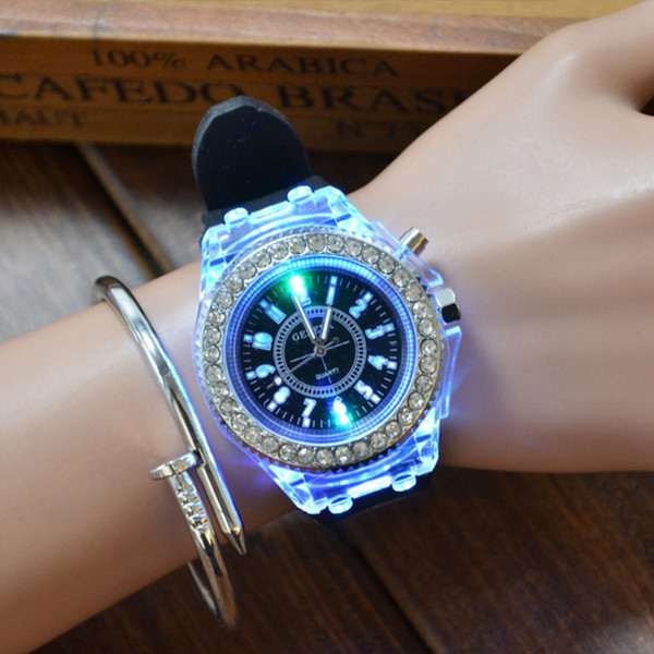 Manufacturer direct selling fashion hot silicone children's luminous watches luminous diamond students Geneva quartz watch
