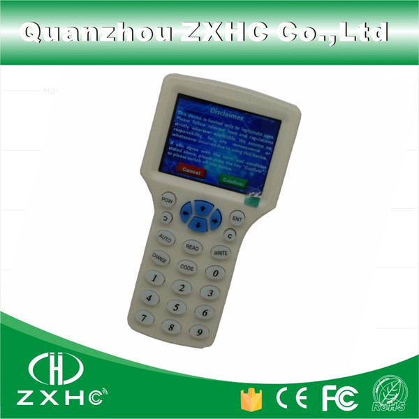 Duplicador de la copiadora del escritor del RFID del idioma inglés 125Khz 13.56Mhz 10 frecuencia con el cable del USB para las tarjetas de IC / ID Pantalla LCD