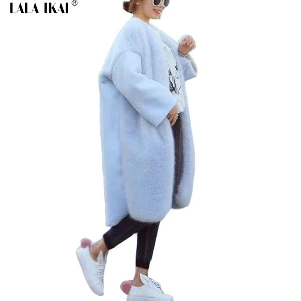 buy popular 9dcc6 a2fea Großhandel Winter Herbst Faux Pelz Wollmantel Damen Hellblau Beige  Flügelhülse Outwear Frauen Oversize Lose Lange Jacke Mädchen SWQ0305 45 Von  Z04a, ...