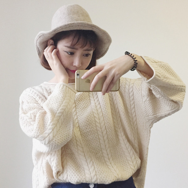 2018 Autumn Tops For Women Solid Color Women Sweater Round Neck Oversized Jumper Women Long Sleeve Loose Pullovers FS5698