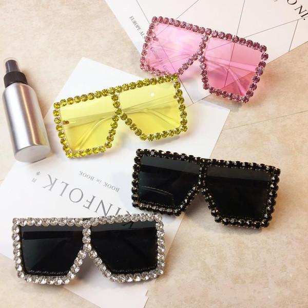 Ağır Metal Güneş Gözlükleri Büyük Kutu Matkap Renkli Lens Kadın Sahne Gösterisi Tasarımcı Güneş Gözlüğü Kullanımı Kolay 23 31gm dd