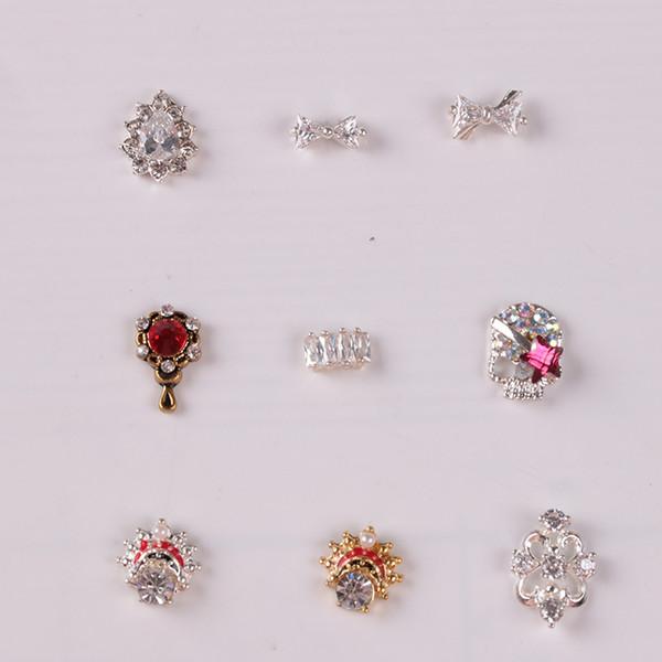 10 unids / lote Rhinestone Diamond Nail Studs Cool Skull Nail Art Zircon Strass Art Crystal ER010