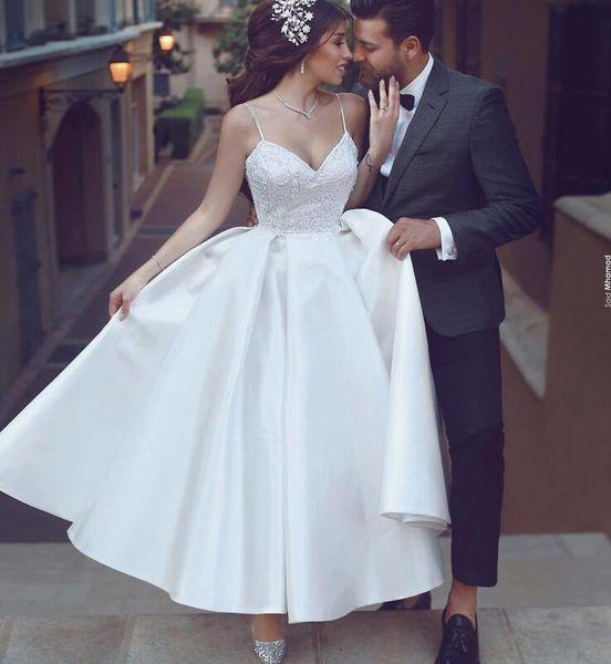Edle Brautkleider Elfenbein Satin Spitze Boho Tee Länge Brautkleider Spaghetti-Trägern Seide Günstige Hochzeitskleid